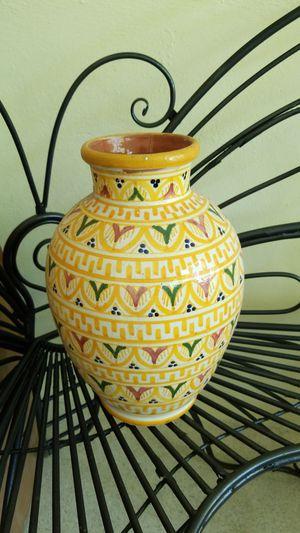Vase or Flower Pot for Sale in Miami, FL