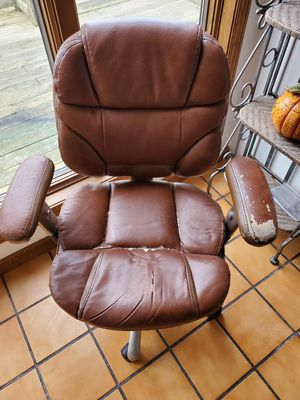 FREE - fairly new office chair lost battle with kitten for Sale in Wildwood, MO