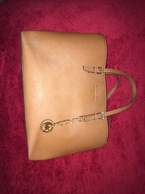 Michael Kors purse - jet set bag *open to offers for Sale in Washington, DC