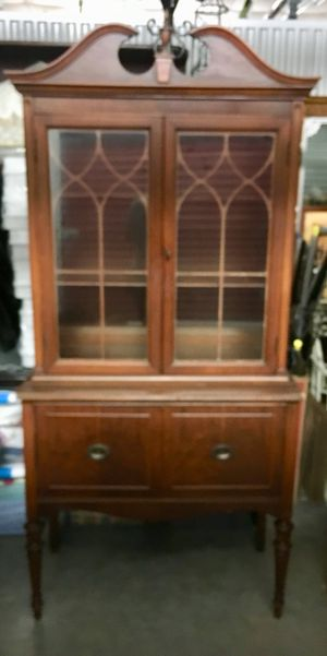 Antique China cabinet for Sale in Orland Park, IL