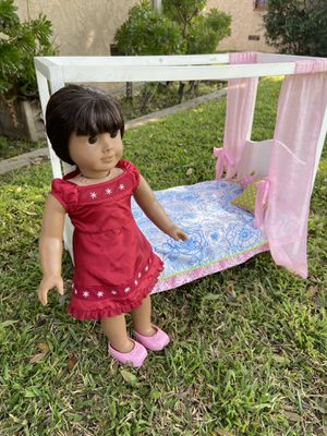 American Girl Doll and our Generation bed for Sale in Lakewood, CA