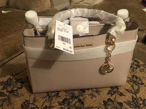 Michael Kors Bag for Sale in Sanger, CA