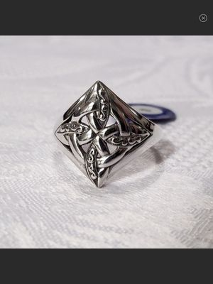 "NWT Celtic ""4 Point Knot"" Sterling Silver Ring SIZE 9 for Sale in Durbin, WV"