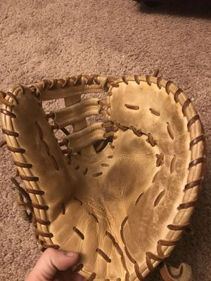 Rawlings gold glove expire 13 inch first basemen's Glove for Sale in Townsend, MA