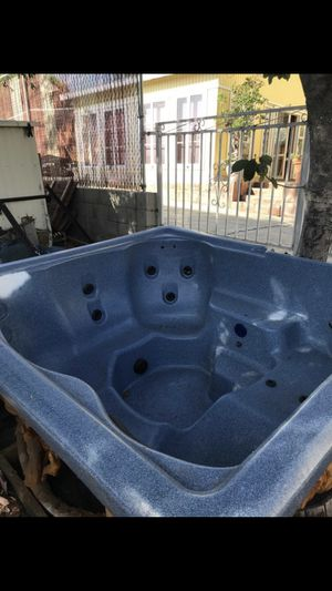 Weslo hot tub for Sale in Los Angeles, CA