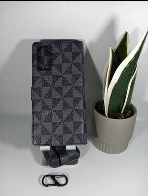 Bundle of Pocket with card holdres Case for Samsung S 20 Plus / S11 with Regular Airpods Case for Sale in Loma Linda, CA