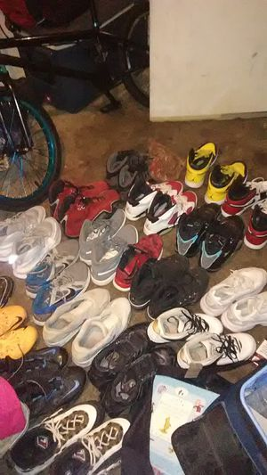Shoes for cheap hmu for prices for Sale in Las Vegas, NV