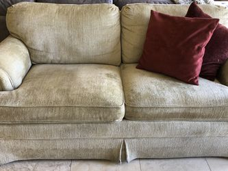 Drexel Heritage Small Sofa for Sale in Newcastle,  WA