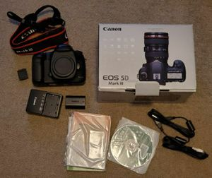 Canon 5d mark iii mk3 with 7k clicks - 2 batteries for Sale in Seattle, WA
