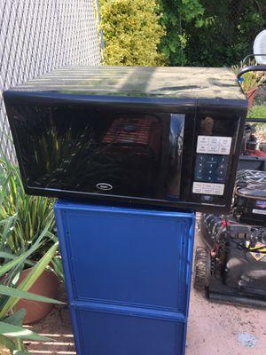 Oyster 1100 watt microwave for Sale in Pottstown, PA