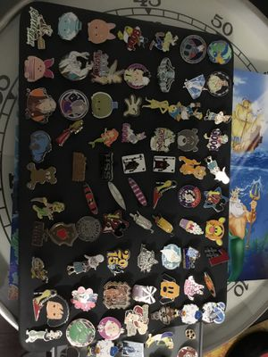 Disney trading pins Donald Duck king candy Captain Hook chip dale tigger goofy simba lion king alice stitch lilo genie nightmare before Christmas Sno for Sale in Carmel, IN
