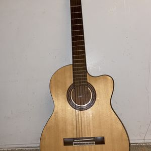 Guitar for Sale in Concord, CA