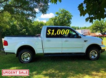 🟢💲1,OOO I m selling URGENTLY this Beautiful💚2OO2 Ford F15O nice Family truck XLT Super Crew Cab 4-Door Runs and drives very smoothly💪🟢 for Sale in Stamford,  CT