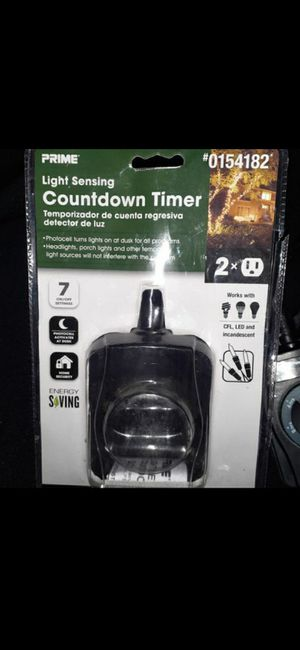 Prime 15 amp outdoor lighting timer allows you to customize when devices turn on and off 2-grounded outlets for Sale in Palmdale, CA