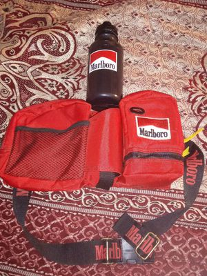 Marlboro Adventure Gear Vintage Waist Fanny Pack With Water Bottle 90s.never used for Sale in Kissimmee, FL