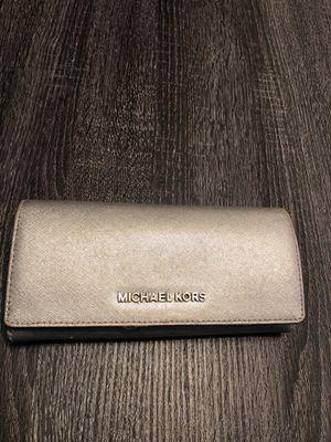 Michael Kors wallet for Sale in Lakeland, FL