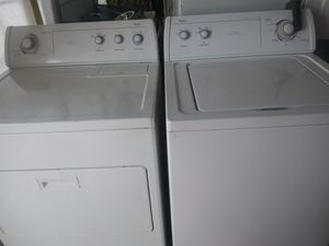 Whirlpool washer's gas dryer for Sale in St. Louis, MO