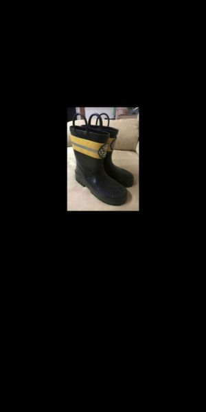 Kids fire rescue rain boots sz 13 for Sale in Olympia, WA
