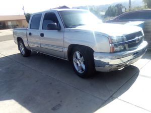 2004 Silverado crew cab for Sale in Phoenix, AZ
