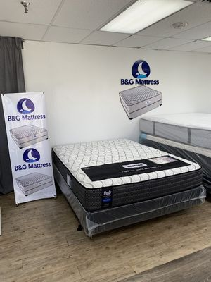 Liquidation mattresses we are open for Sale in Tampa, FL