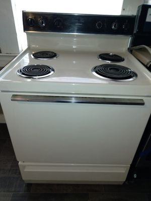 Hotpoint Electric Stove for Sale in Baton Rouge, LA