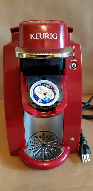 Red Keurig K-compact single serve K-Cup coffee maker / for Sale in Chula Vista, CA