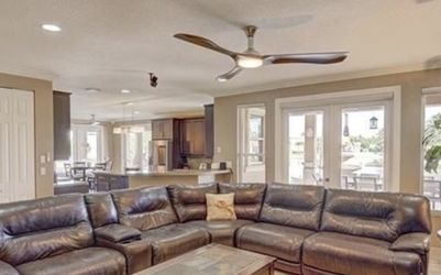 Leather Automatic Reclining Sectional for Sale in Hollywood,  FL