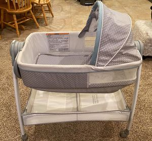 Graco bassinet and changing table for Sale in Ramona, CA