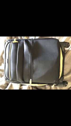 Lucas luggage bag carry on for Sale in Bellevue, WA