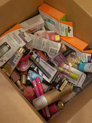 box of 20 units in cosmetics for Sale in Clearwater, FL