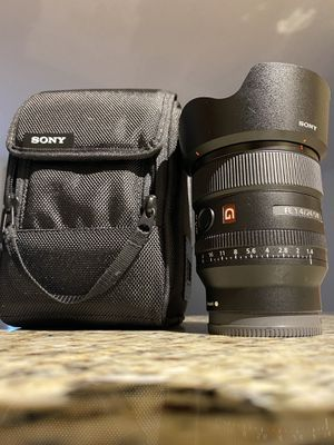 Sony 24mm f1.4 for Sale in McLean, VA