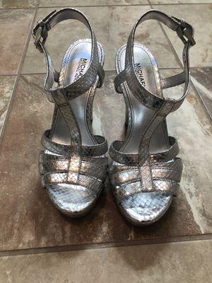 Michael Kor's NEW women's 6 silver platform heels for Sale in Mount Laurel Township, NJ