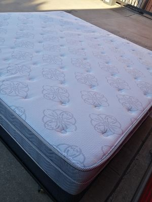 KING PILLOWTOP BED for Sale in Frisco, TX