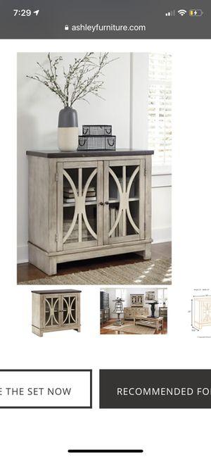 Ashley's Vennilux Bisque 2 Door Display Cabinet for Sale in Murfreesboro, TN