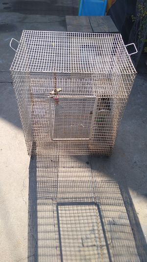 Birdcage 2 ft long by 29 in tall for Sale in Fresno, CA
