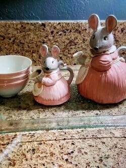 Rabbit Teapot Set for Sale in Rancho Cucamonga,  CA