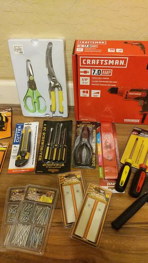 Craftsman drill/driver with tool accessories for Sale in Laveen Village, AZ