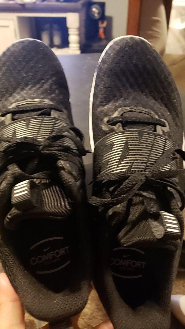 Womens 9.5 nike shoes