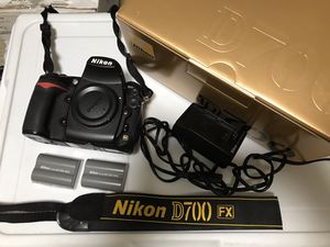 Nikon D700 with accessories for Sale in Seattle, WA