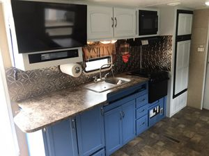 Sunset trail by crossroads 27ft camper trailer rv for Sale in Damascus, OR