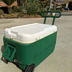 Igloo Cooler for Sale in Poway, CA