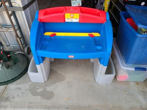Kids desk with chair for Sale in Brighton, CO