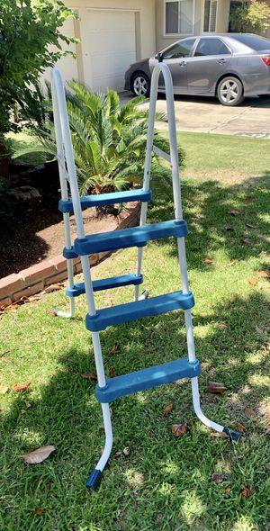 Steel Frame Pool Ladder for Sale in Fresno, CA