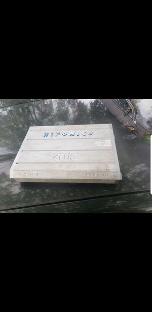 Hifonics zues 1800w for Sale in MERRIONETT PK, IL