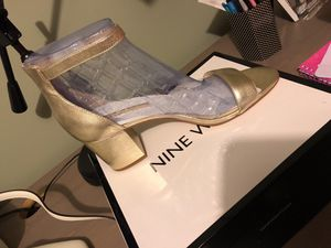 Gold Nine West heels for Sale in Chicago, IL