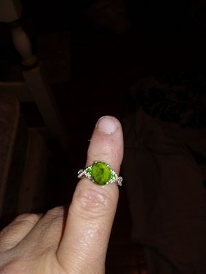 Sterling silver green emerald size 7 never worn for Sale in Columbus, OH