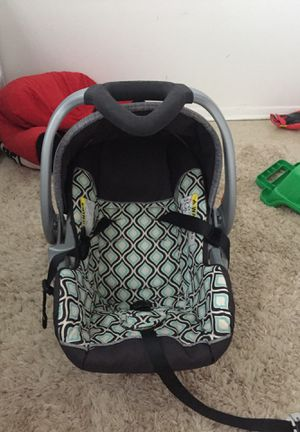 Car seat for Sale in Breaux Bridge, LA