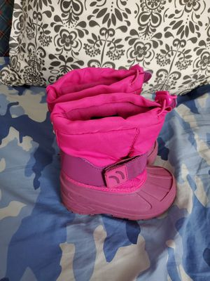 Snow boots for girls,size M 7/8 for Sale in Framingham, MA