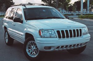 Beautiful 2OO4 Jeep Grand Cherokee AWDWheels Clean for Sale in Washington, DC