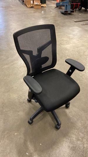 Black mesh ergonomic office chair for Sale in Addison, IL